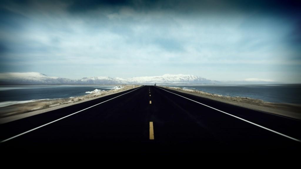 あっちこっちぶつかりながら、人生っていくものなんだよ。そして振り返ってみればその曲がりくねった道が、成功に向かっていく一本のまっすぐな道だったっていつか気がつく日がくるよ。【斎藤一人】